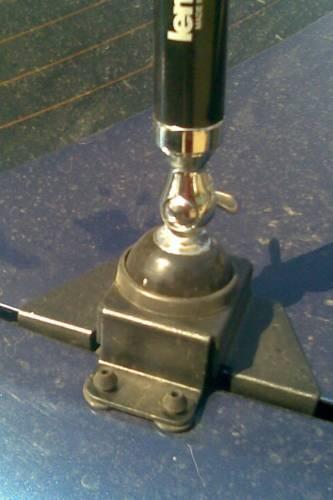 Крепление антенны для рации на крышку багажника